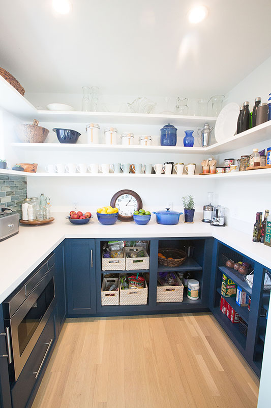 v-cool-blue-kitchen-pantry