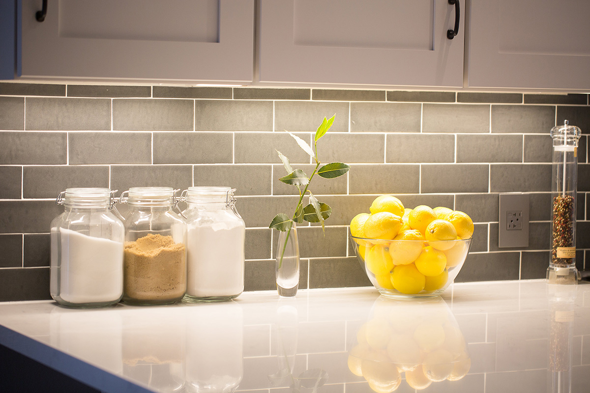 modern-industrial-kitchen-white-counter-tile-backsplash