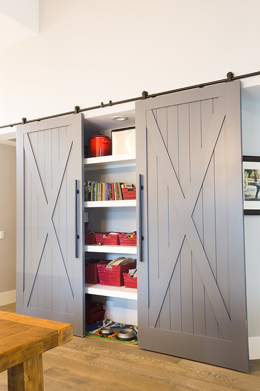 v-modern-industrial-kitchen-barn-doors-storage-pantry