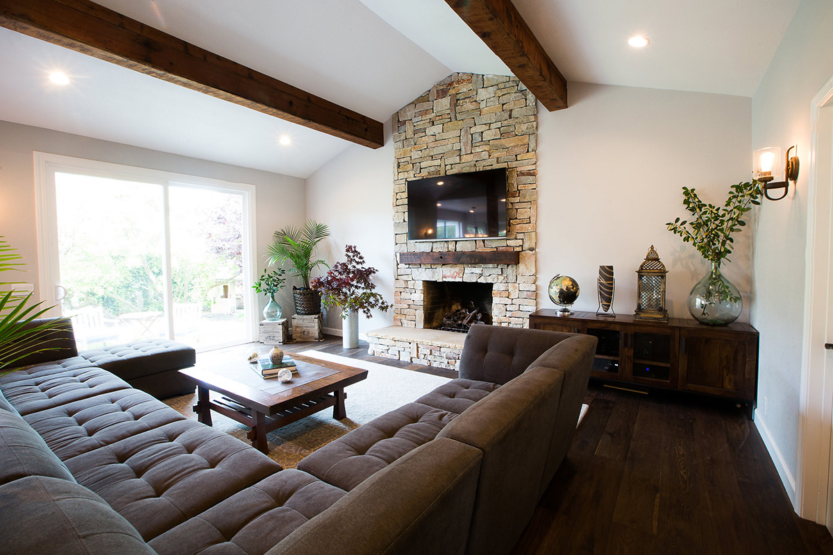Living-room-exposed-wood-beams